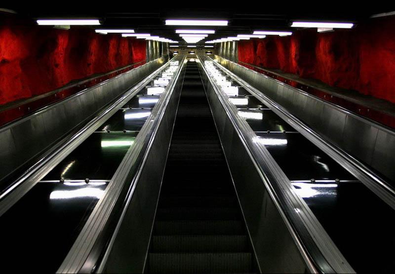 Metrô de Estocolmo: a galeria de arte mais longa do mundo 02