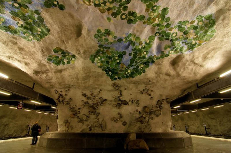 Metrô de Estocolmo: a galeria de arte mais longa do mundo 03