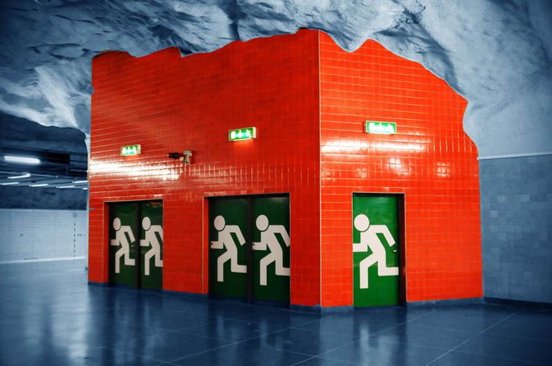 Metrô de Estocolmo: a galeria de arte mais longa do mundo 04