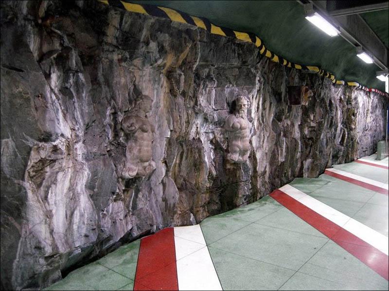 Metrô de Estocolmo: a galeria de arte mais longa do mundo 10