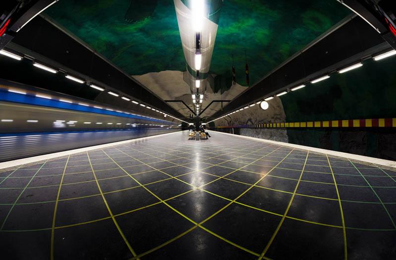 Metrô de Estocolmo: a galeria de arte mais longa do mundo 15