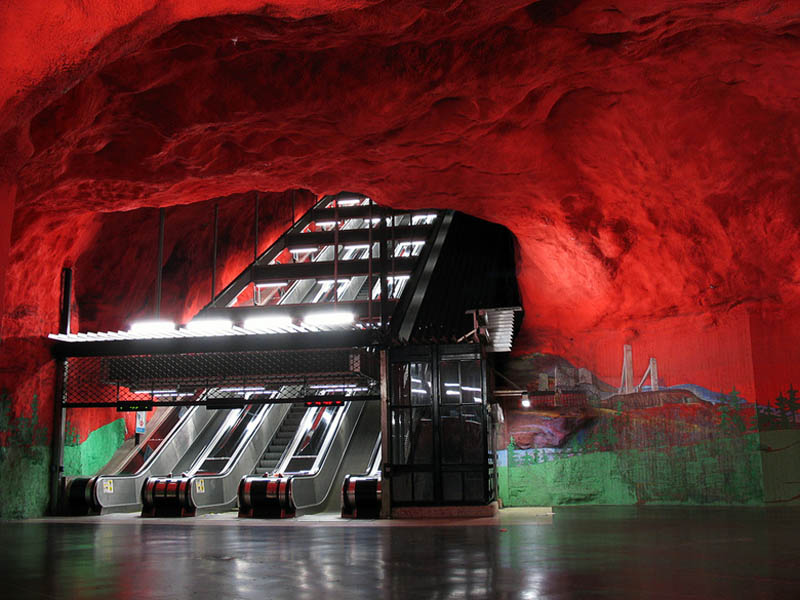 Metrô de Estocolmo: a galeria de arte mais longa do mundo 18