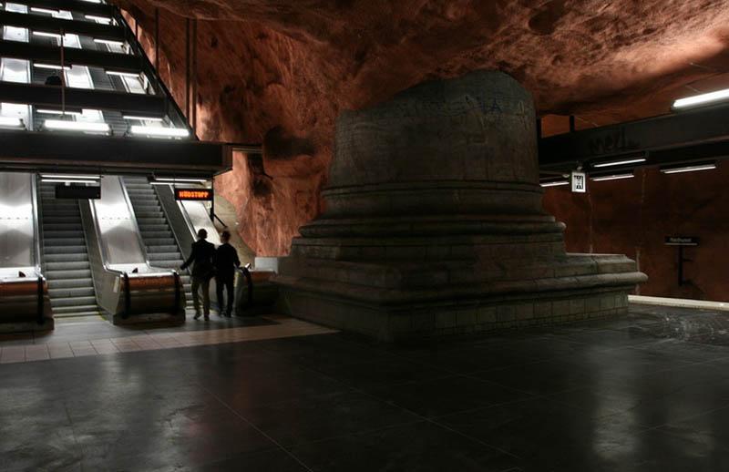 Metrô de Estocolmo: a galeria de arte mais longa do mundo 23
