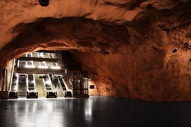 Metrô de Estocolmo: a galeria de arte mais longa do mundo 25