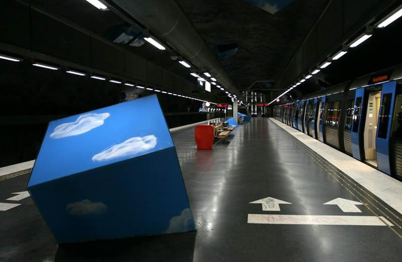 Metrô de Estocolmo: a galeria de arte mais longa do mundo 30