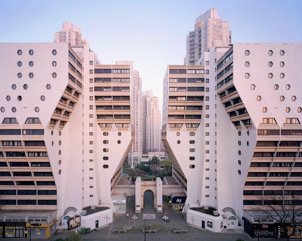Conjuntos habitacionais esquecidos de Paris documentados por Laurent Kronental 01