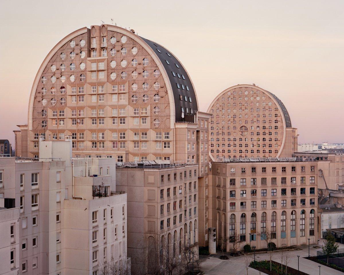 Conjuntos habitacionais esquecidos de Paris documentados por Laurent Kronental 02