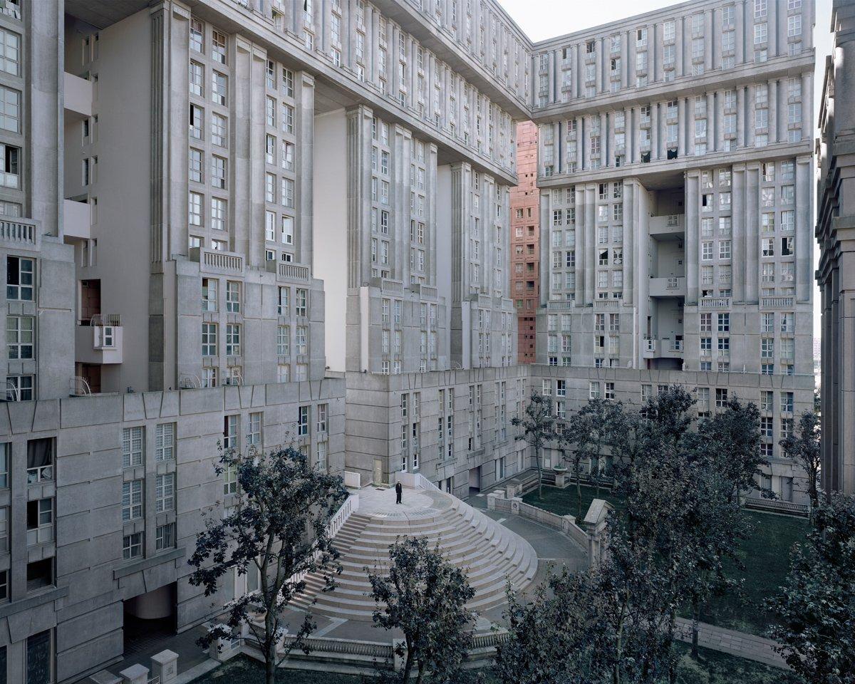 Conjuntos habitacionais esquecidos de Paris documentados por Laurent Kronental 05