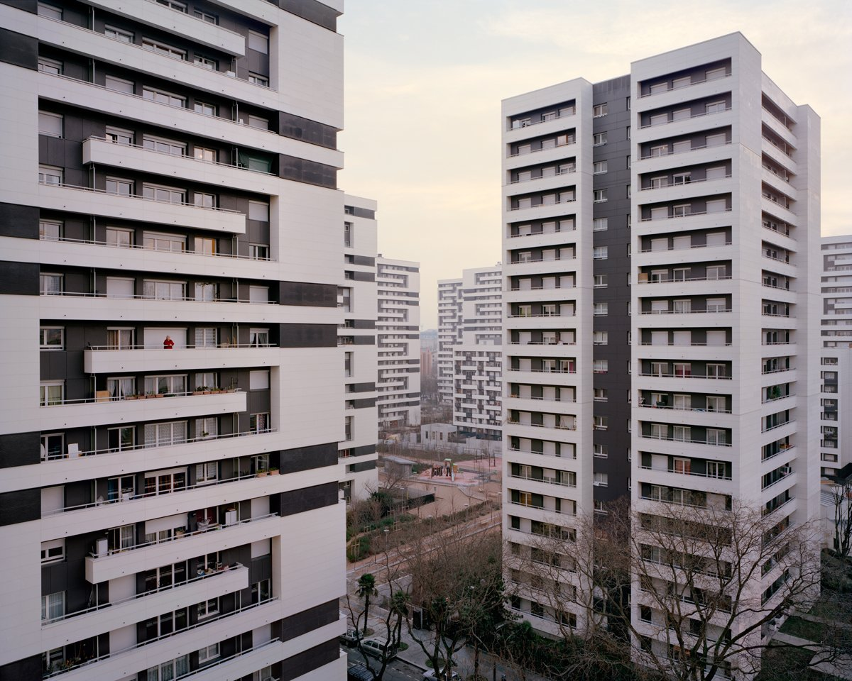 Conjuntos habitacionais esquecidos de Paris documentados por Laurent Kronental 06