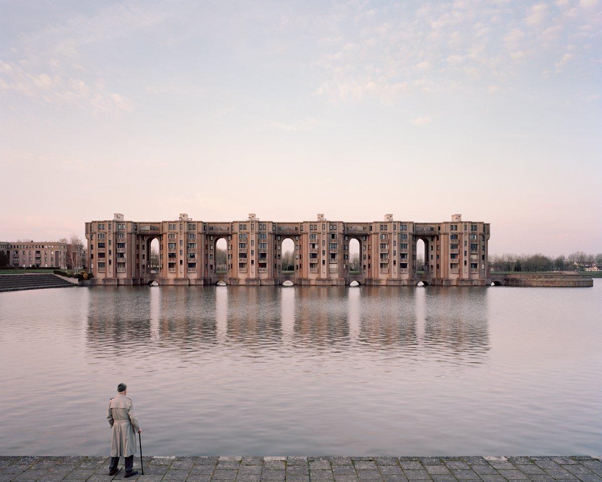 Conjuntos habitacionais esquecidos de Paris documentados por Laurent Kronental 11