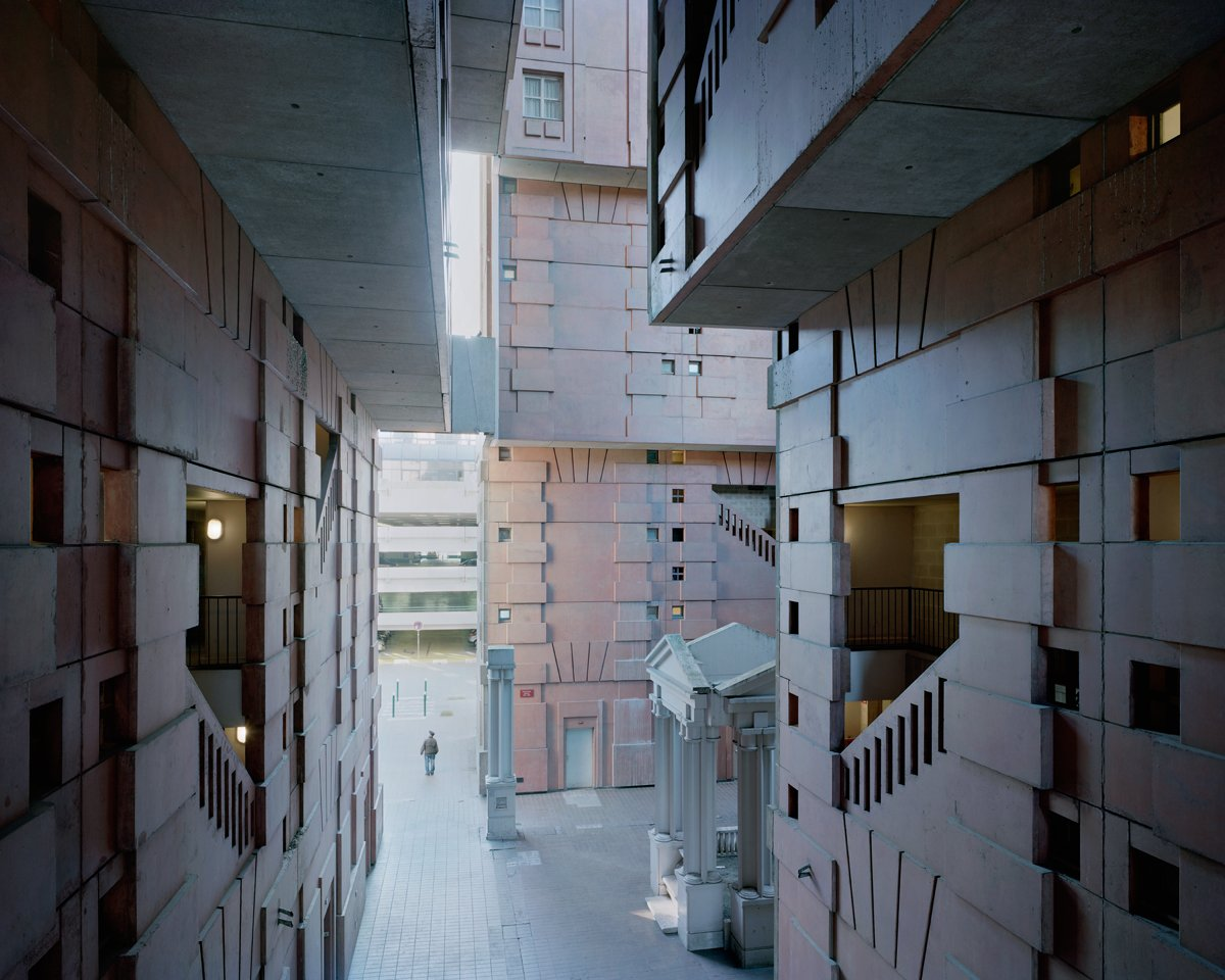 Conjuntos habitacionais esquecidos de Paris documentados por Laurent Kronental 15