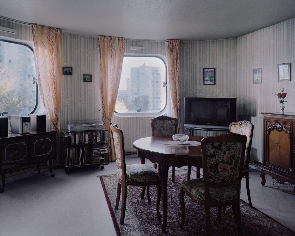 Conjuntos habitacionais esquecidos de Paris documentados por Laurent Kronental 17