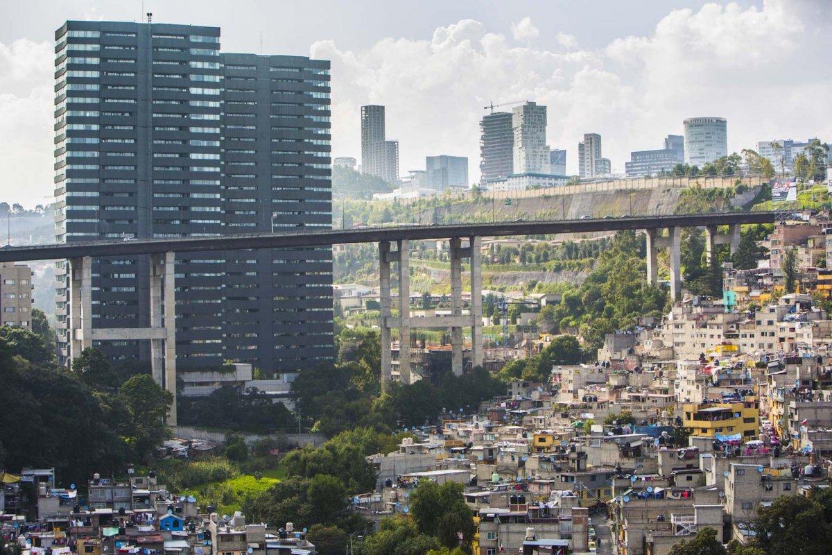 Um drone capturou essas fotos chocantes da desigualdade na maior cidade do México 02