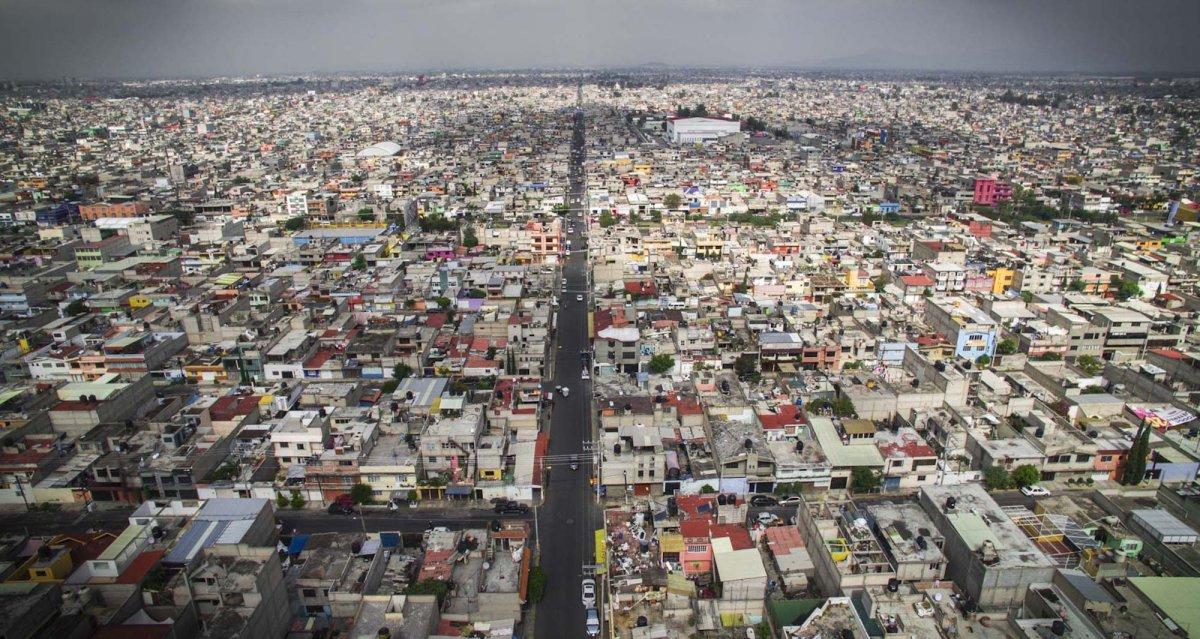 Um drone capturou essas fotos chocantes da desigualdade na maior cidade do México 04
