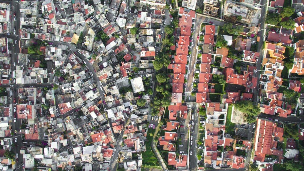 Um drone capturou essas fotos chocantes da desigualdade na maior cidade do México 05