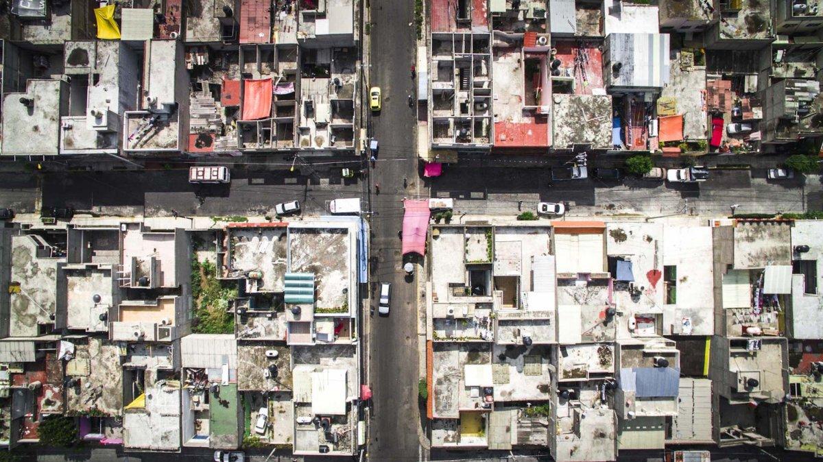 Um drone capturou essas fotos chocantes da desigualdade na maior cidade do México 08
