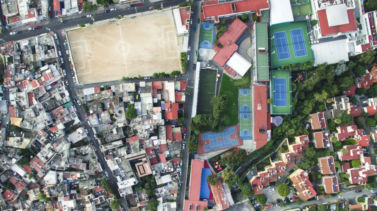 Um drone capturou essas fotos chocantes da desigualdade na maior cidade do México 11