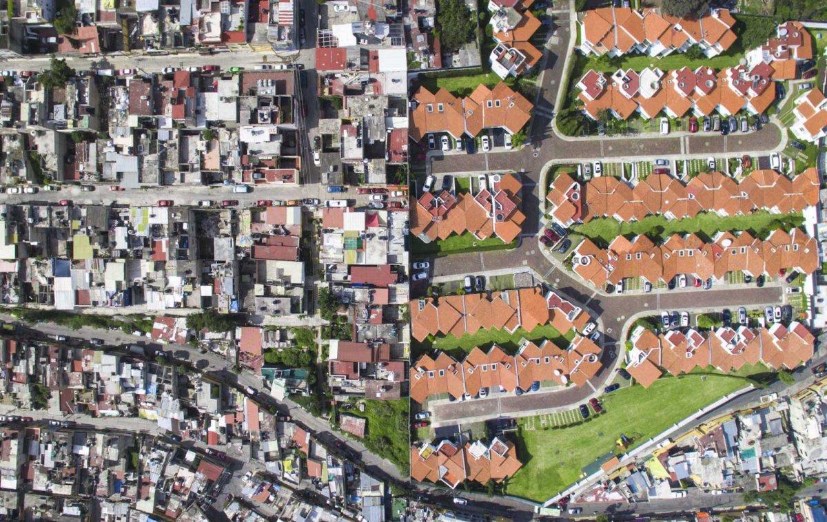 Um drone capturou essas fotos chocantes da desigualdade na maior cidade do México 12