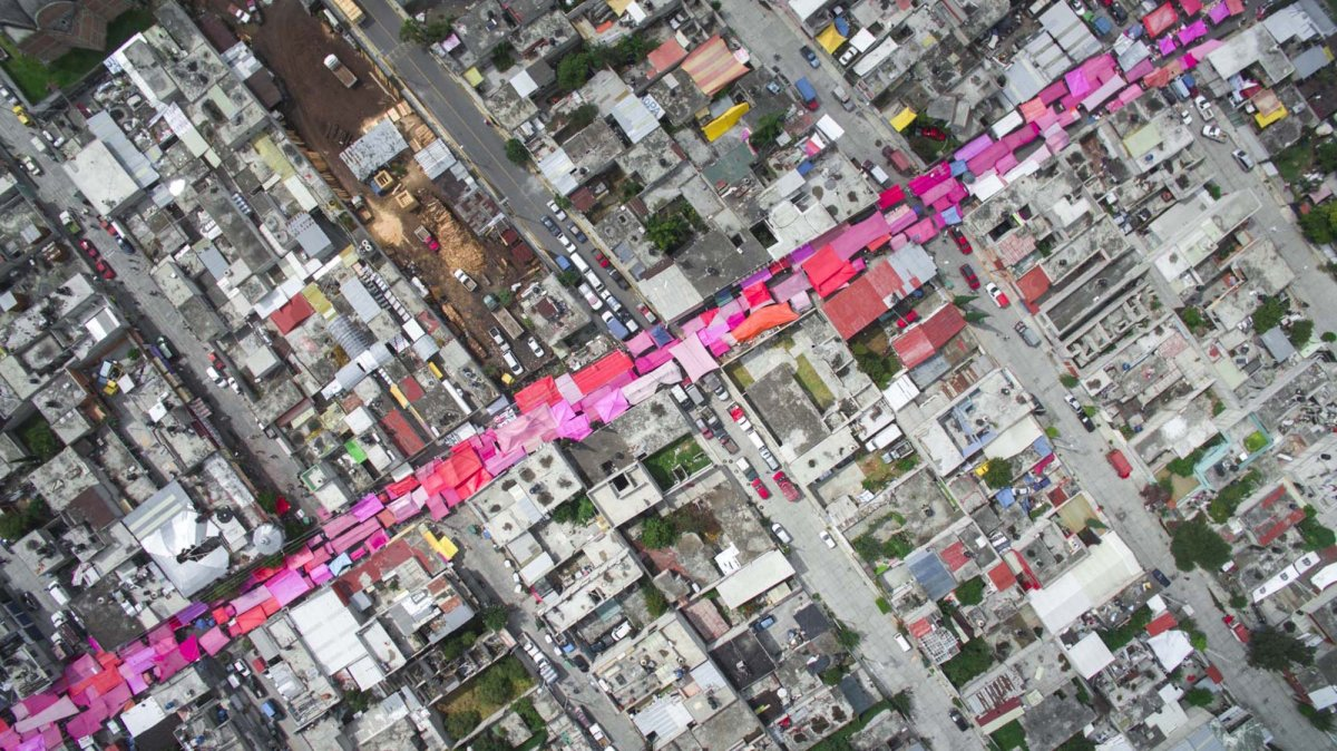 Um drone capturou essas fotos chocantes da desigualdade na maior cidade do México 14