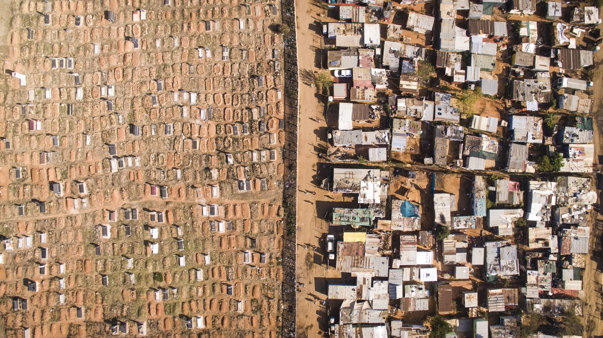 As linhas que dividem ricos e pobres captadas por um drone 04