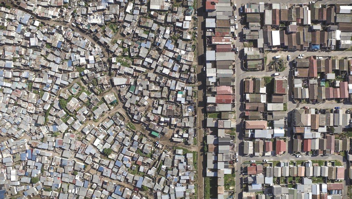 As linhas que dividem ricos e pobres captadas por um drone 08
