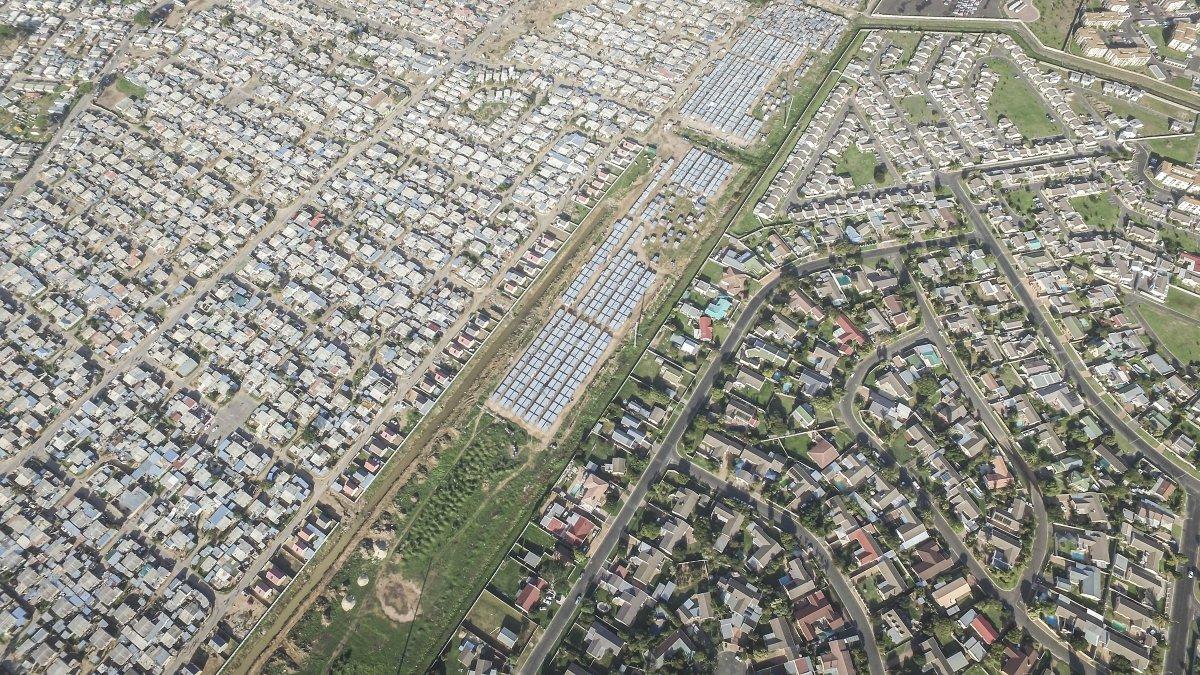 As linhas que dividem ricos e pobres captadas por um drone 10