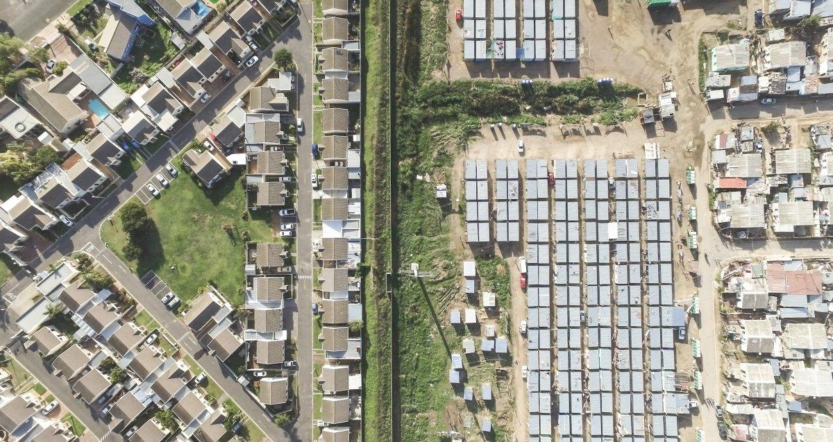 As linhas que dividem ricos e pobres captadas por um drone 11