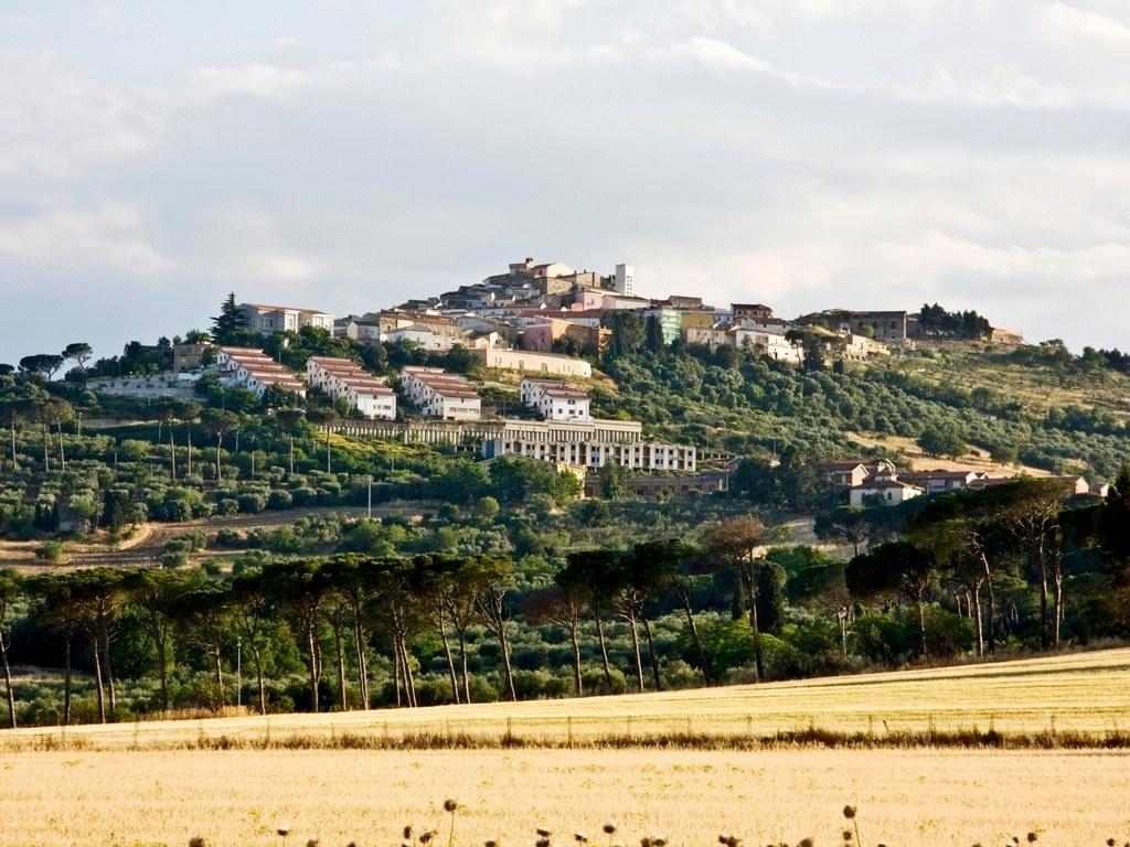Quer viver na Itália? A cidade de Candela está pagando para quem quiser mudar para lá 09