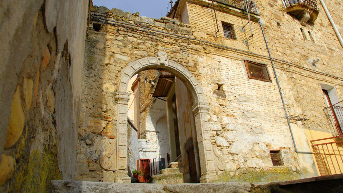 Quer viver na Itália? A cidade de Candela está pagando para quem quiser mudar para lá 10