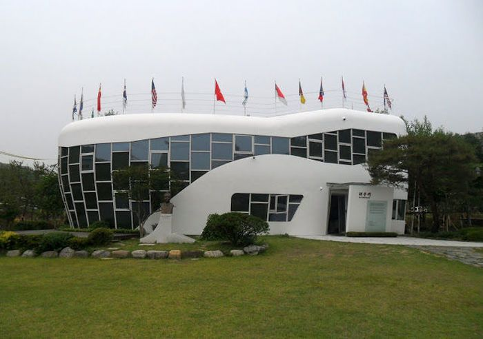 Um parque tem�tico muito estranho na Coreia do Sul 01