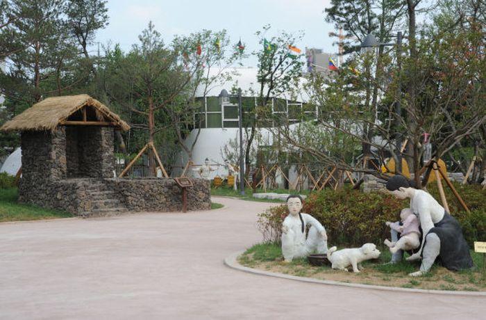Um parque temático muito estranho na Coreia do Sul 08