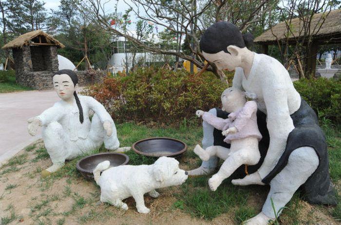 Um parque tem�tico muito estranho na Coreia do Sul 13