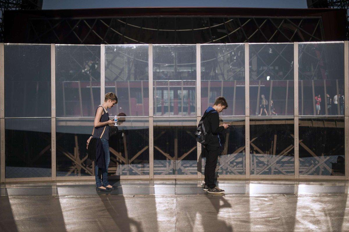 A torre Eiffel, de vidro: assim é o novo piso da célebre atração de Paris 10