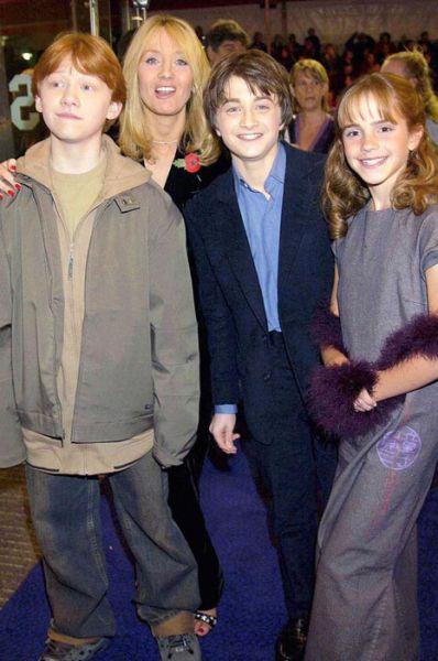 Estrelas de Harry Potter no primeiro e último filme 07