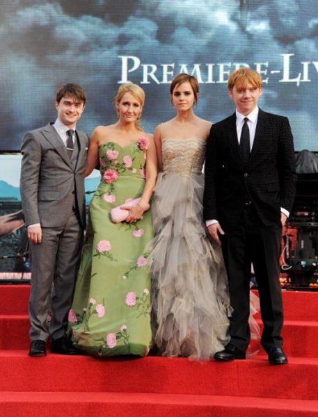 Estrelas de Harry Potter no primeiro e último filme 09