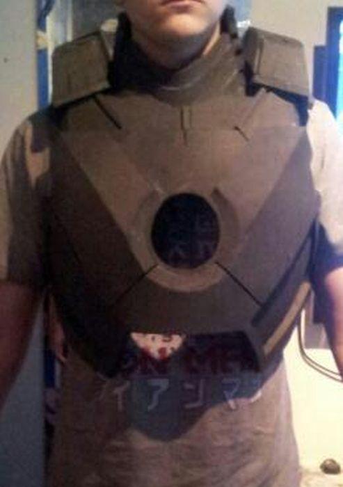 Fã constrói impressionante traje do Iron Man 02
