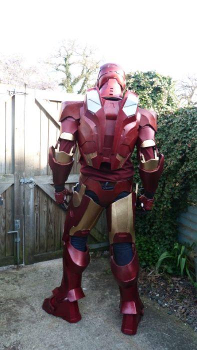 Fã constrói impressionante traje do Iron Man 19