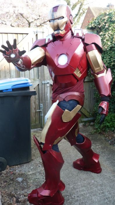 Fã constrói impressionante traje do Iron Man 21