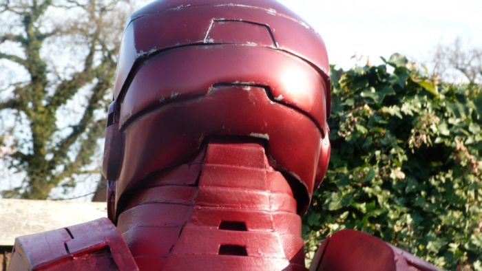 Fã constrói impressionante traje do Iron Man 23