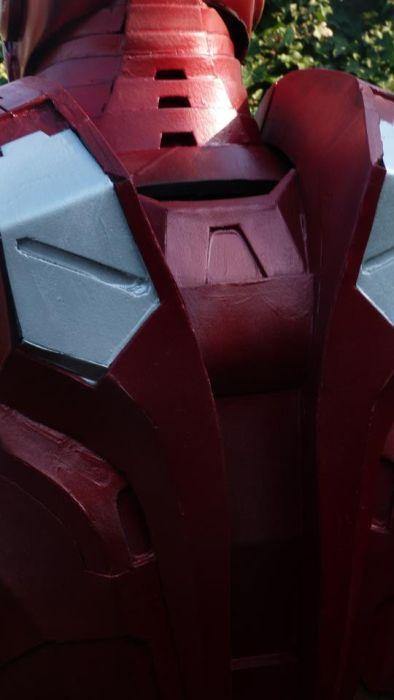 Fã constrói impressionante traje do Iron Man 24