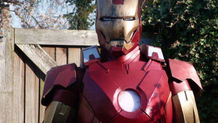 Fã constrói impressionante traje do Iron Man 25