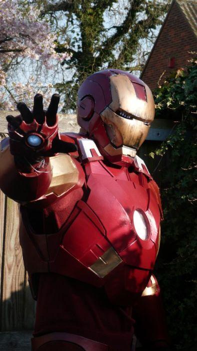 Fã constrói impressionante traje do Iron Man 28