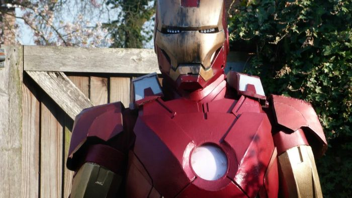Fã constrói impressionante traje do Iron Man 30