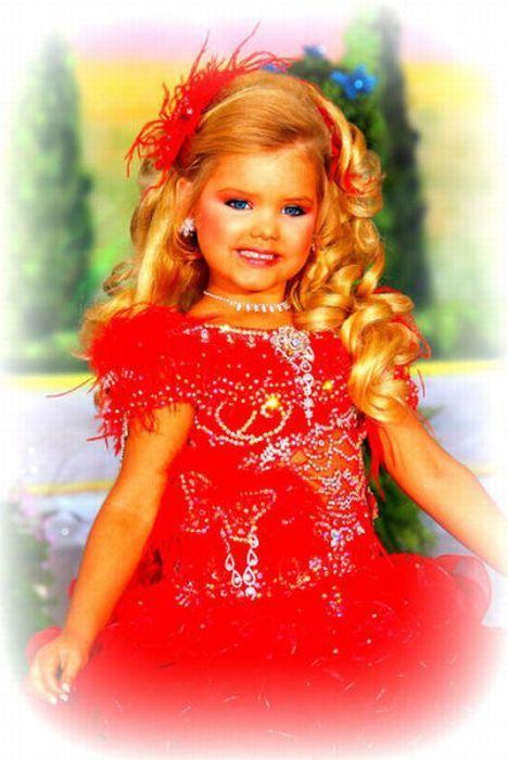 M�e veste filha como uma boneca 12
