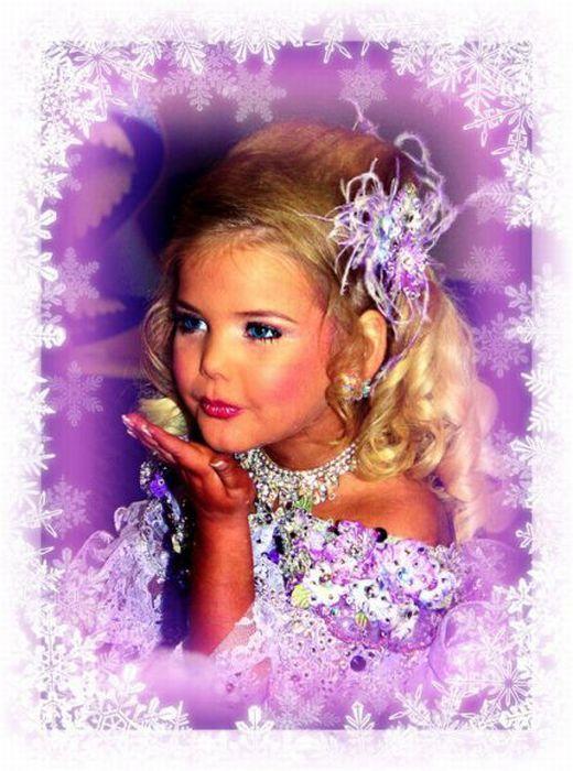 M�e veste filha como uma boneca 14