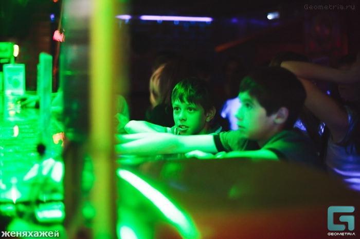 Clube noturno para crianças na Rússia 11