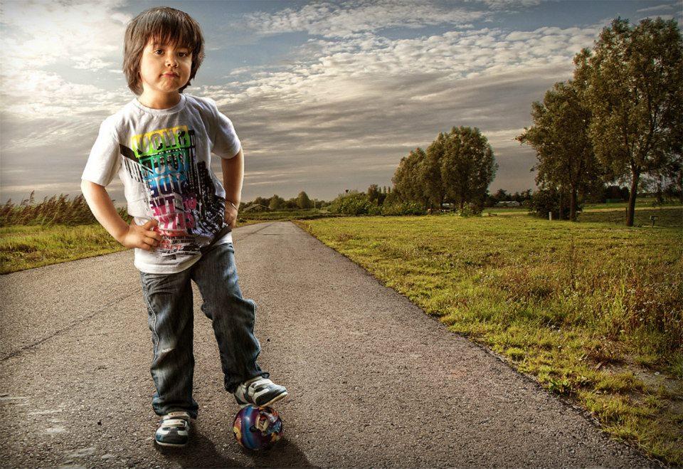 Fotógrafo tira divertidas e ternas fotos de seu filho 16