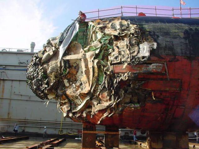 Submarino que colidiu com um recife 06