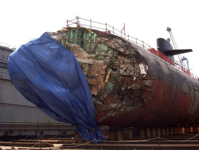 Submarino que colidiu com um recife 07