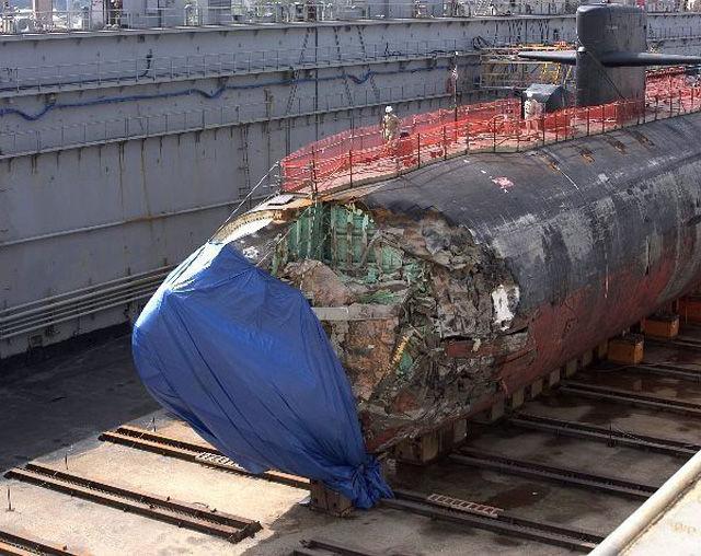 Submarino que colidiu com um recife 08